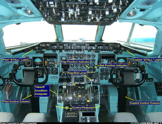 DC9_82_Cockpit_lables