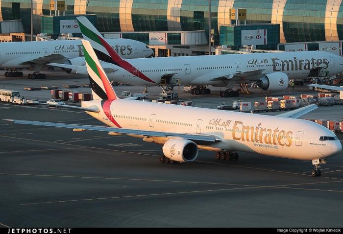 emirates-773-accidented-1