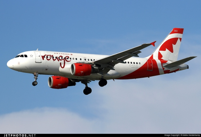 Air Canad Rouge A319